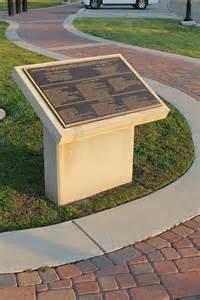 concrete pedestal precast concrete plaque pedestal concrete pedestal