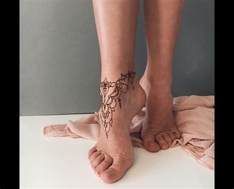 henna ankle tattoo 25 best ideas about foot henna on henna