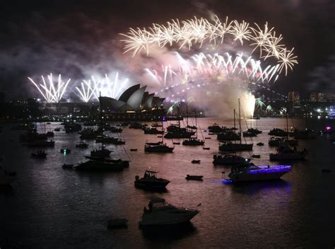 new year 2017 nz new years 2017 australia sees 2018 with