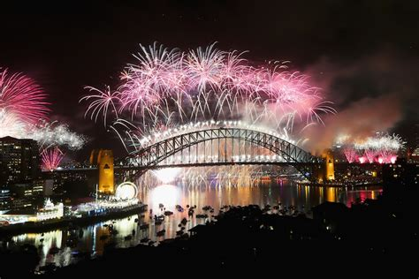 incredible places     years eve fireworks