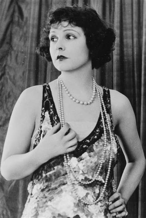 celebrities of the 1920s fabulous portraits of 18 famous flappers in the 1920s