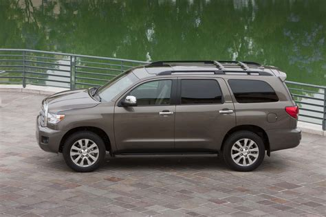 Toyota Sequoia Review 2015 Toyota Sequoia Quality Review The Car Connection