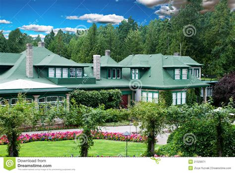 house flower garden house with flower garden stock image image of ornate 21329971
