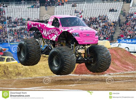 jam madusa truck madusa truck imgkid com the image kid has it