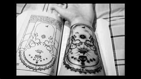 tattoo quebecois 30 magnifiques tatouages inspir 233 s de l univers du seigneur