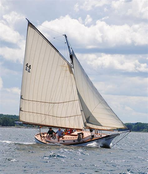 boat sloop definition friendship sloop from maine a wikipedia definition