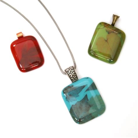 free jewelry projects free autumn leaves jewelry project guide fusing delphi glass