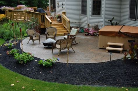 Decks And Patios This Deck Leads To A Round Sted Patio Designs Pictures