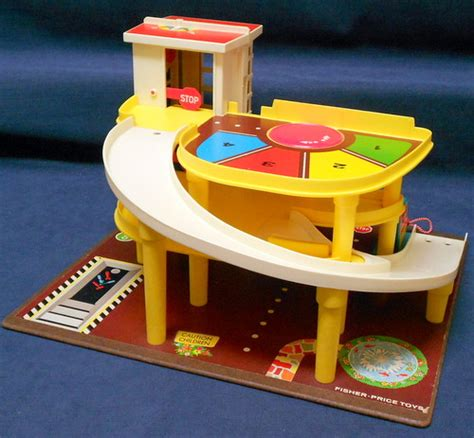 Fisher Price Garage by Vintage 1970 S 930 Fisher Price Garage Complete