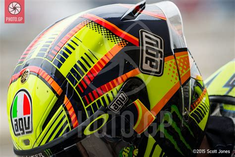design rossi helmet 2015 more helmet art motogp cota 2015 photo gp