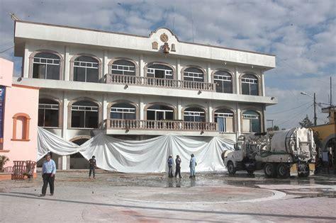 ayuntamiento de huehuetoca 2016 realizan labores de limpieza en el ayuntamiento de
