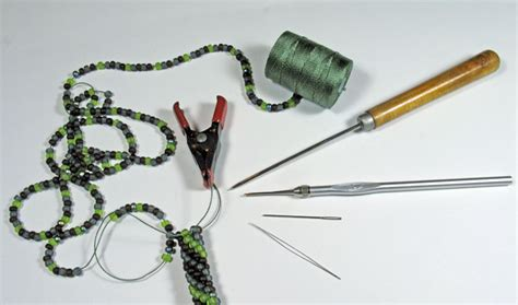 how to do bead crochet marion jewels in fiber news and such tubular bead