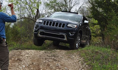 2016 jeep grand cherokee off road road test review 2015 jeep grand cherokee limited 4x4