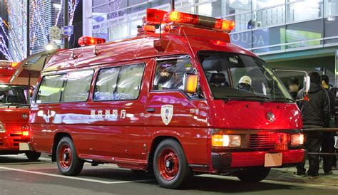 nissan urvan escapade modified nissan caravan