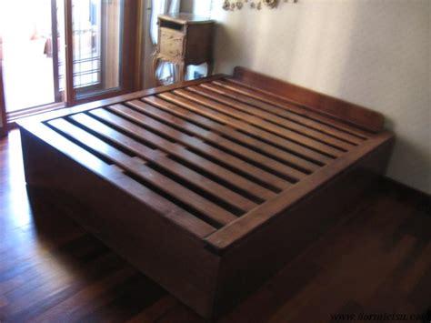 letti a in legno massello letto contenitore in legno massello dormicisu
