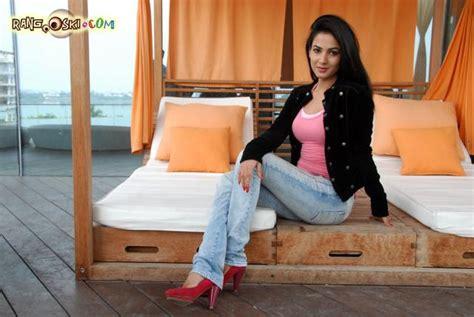sonal chauhan linkedin sonal chauhan photo 1 indian celeb f hot photo gallery