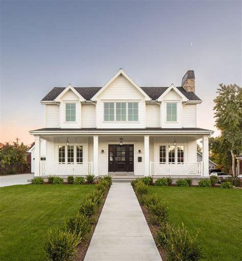 farmhouse exterior best 25 white farmhouse exterior ideas on pinterest