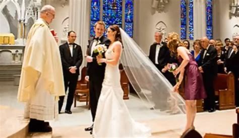 29 Great Catholic Wedding Communion Songs   Texas for Marriage