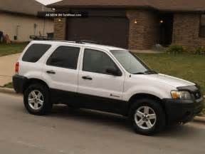 2005 ford escape hybrid sport utility 4 door 2 3l
