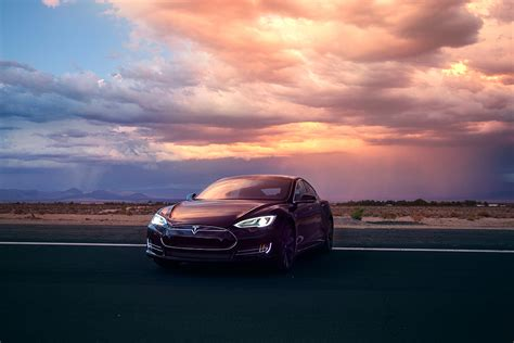 Tesla Model D Tesla S Model D Wows Critics Sustainable Earth Going