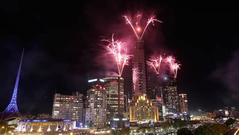 new year celebrations melbourne 2015 carey sings in 2016 at melbourne photos