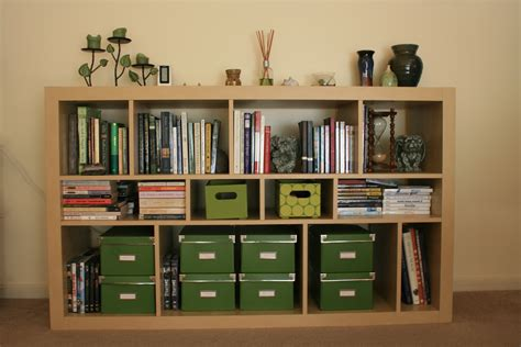 how to decorate a bookshelf d