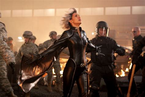 x men l affrontement final film 2006 allocin 233 photo de halle berry x men l affrontement final photo