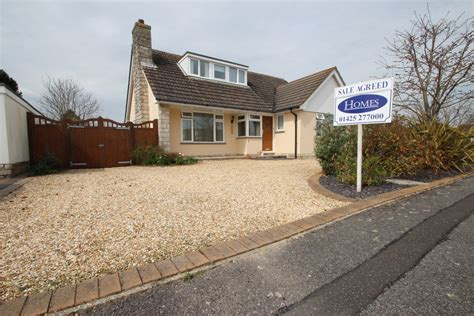 3 bedroom chalet 3 bedroom chalet bungalow in mudeford estate agents