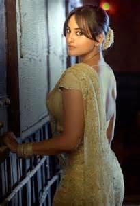 Lovely bollywood actress sonakshi sinha sonakshi sinha born 2 june