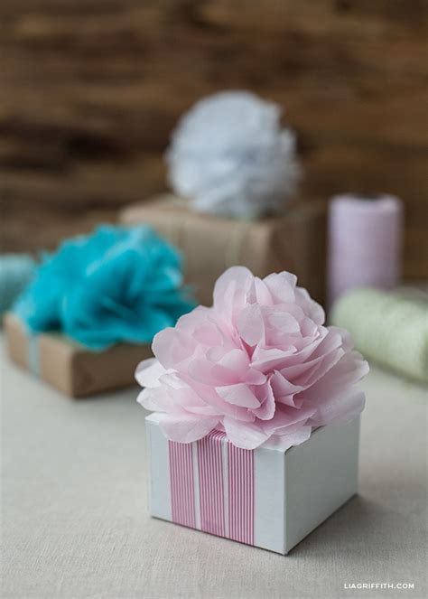 How To Make Mini Tissue Paper Pom Poms - diy paper pom pom flowers beesdiy