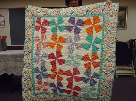 Patchwork Guild - material store sle and patchwork friends quilt