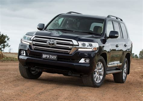 2018 toyota land cruiser v8 redesign review and