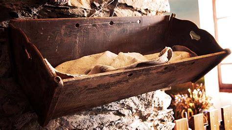 culla di legno museo di triora culla di legno