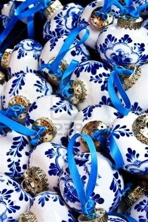 blue and white ornaments best 25 blue ideas on