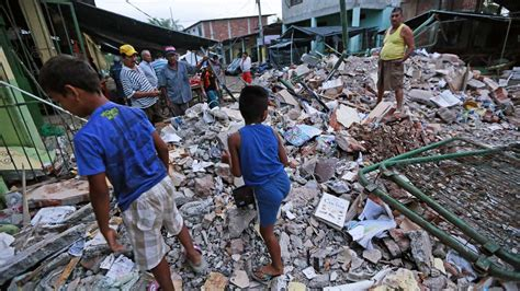 earthquake ecuador more than 200 dead in ecuador earthquake wfaa com