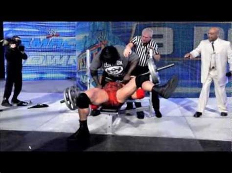 mark henry bench press record wwe ryback vs mark henry banch press weight lifting