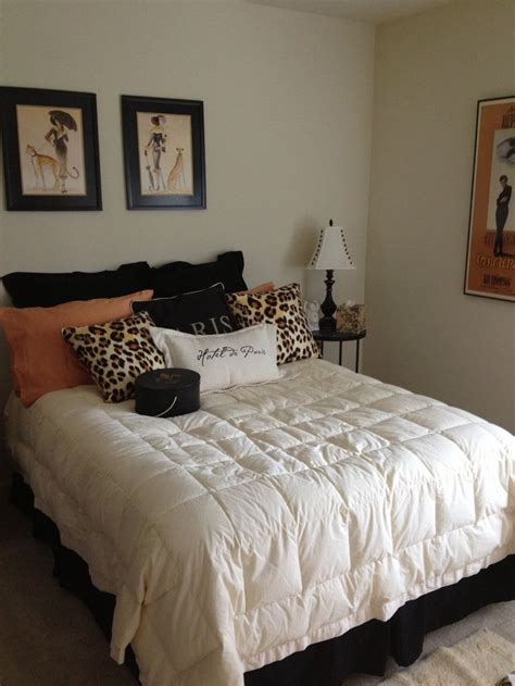 decorating ideas  bedroom  paris  leopard print
