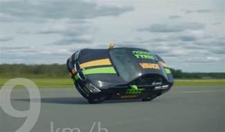 Worlds Fastest World S Fastest Side Wheelie In A Car