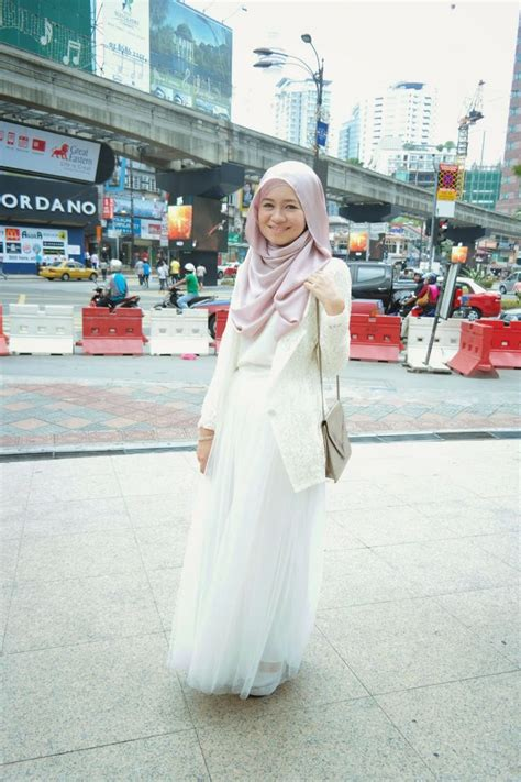 tutorial hijab vivy yusof white swan on the streets of starhill r nadia sabrina