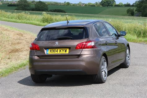 buy a peugeot peugoet 308 review buying and selling parkers