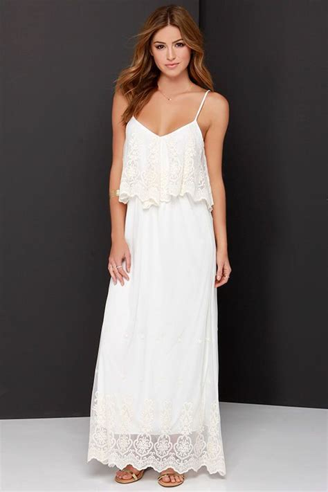 Maxi Dinna stand in awe and ivory lace maxi dress the stand