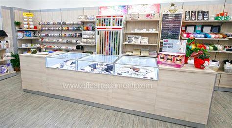 primo arredamenti negozi arredamento negozio a tuoro merceria effe arredamenti