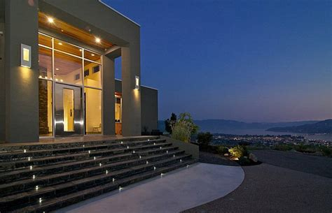 spectacular view home perched  kelowna