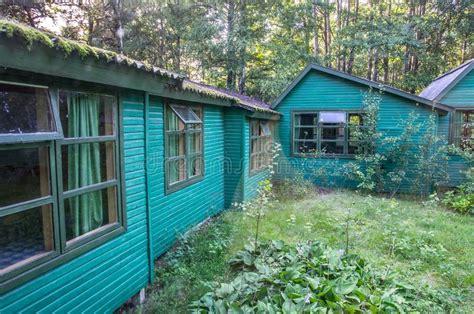 casas peque as de madera pequeas casas de madera gallery of fachadas para casas
