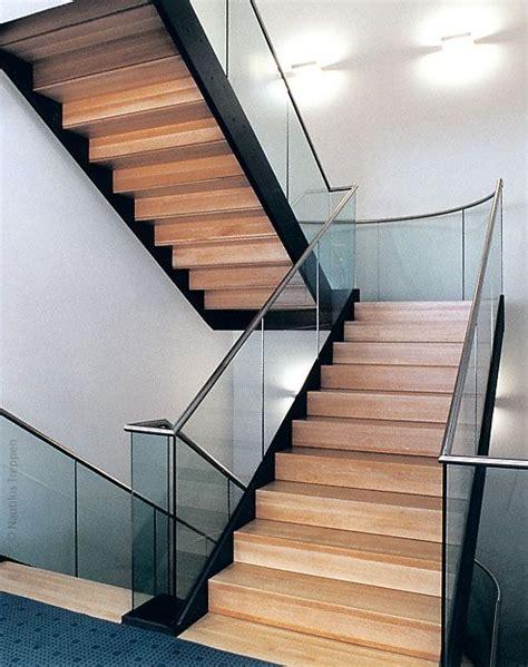 geschlossene treppen geschlossene treppe mit podest suche treppen