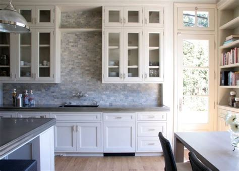 backsplash for kitchen with white cabinet kitchen backsplash white cabinets my home design journey