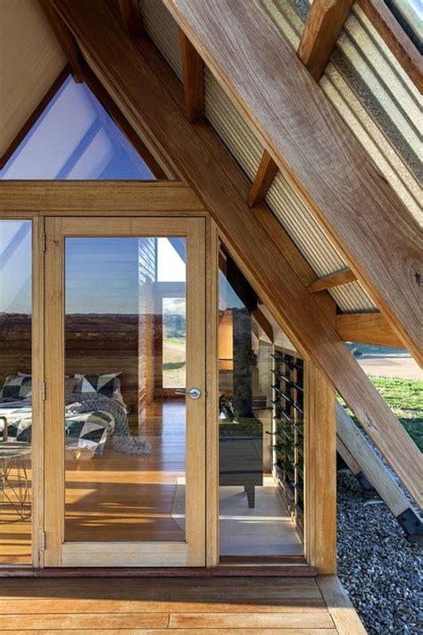 una cabana de diseno inspirada en las clasicas casas de madera