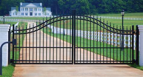 gothic gates ferrebeekeeper