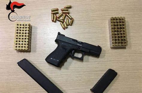 nascoste in bagno armi e munizioni nascoste nel bagno di casa 46enne