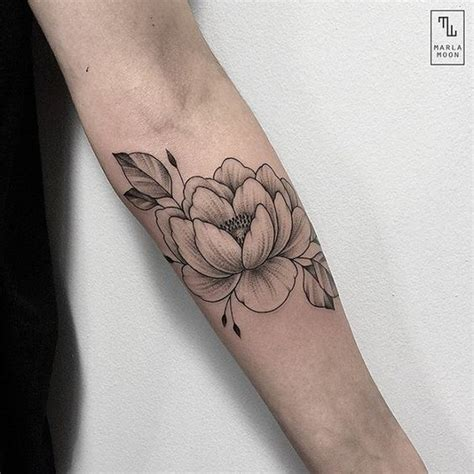 simple tattoo linework simple peony line out tattoos pinterest instagram